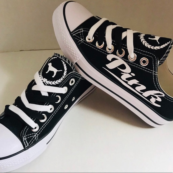 310d86ab30ec8 Black and white converse Pink VS sneakers! 👟 NWT